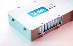 (English) The War Between Lead Acid vs Lithium Ion Batteries: Which Is Winning?